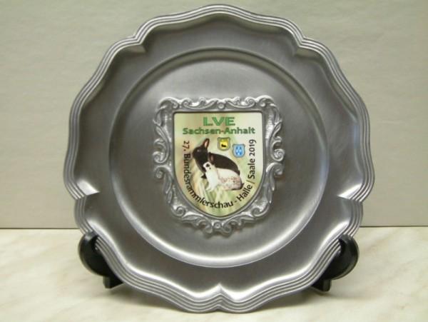Metallteller mit bedrucktem Wappen ST 1049